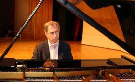 Pianoforte: Mario Panciroli